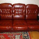 Смена обивки у кожаного дивана