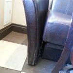 Фото перетяжки кожаного дивана