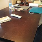Фото работы по реставрации стола в офисе