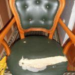 Смена обивки у кожаного кресла